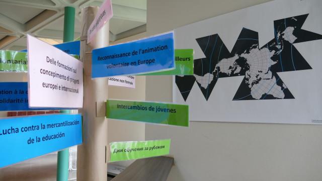 Environnement suscitant du séminaire international